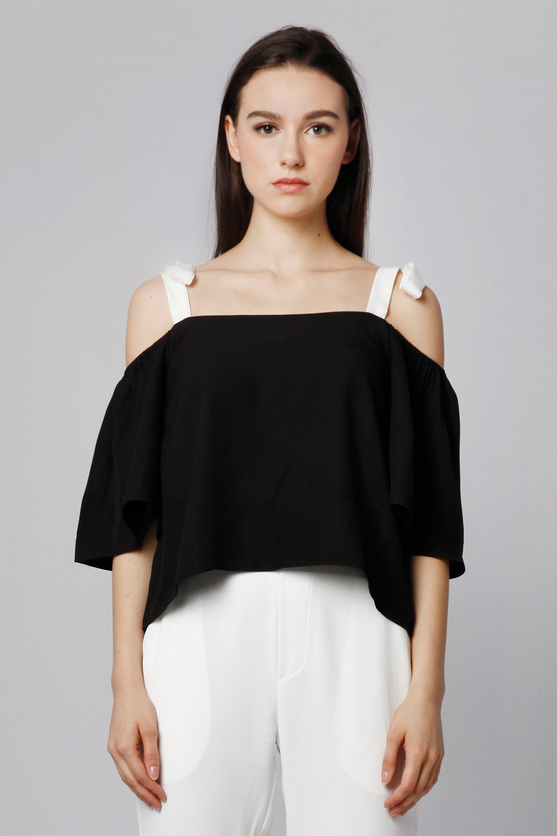 LAND SABRINA TOP BLACK