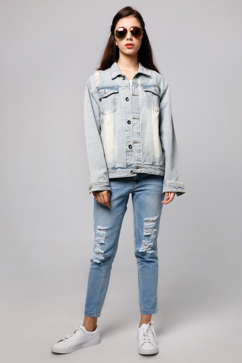 OVERSIZE RIPPED DENIM JACKET LIGHT BLUE