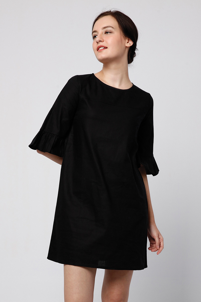 RUFFLE DRESS BLACK