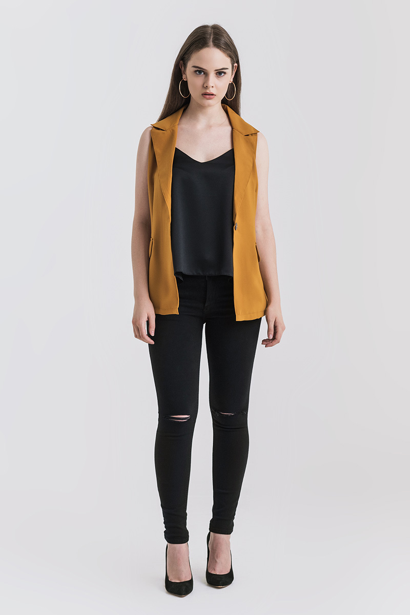 HALLY OUTER MUSTARD