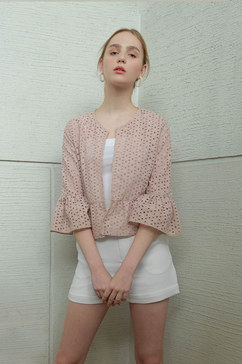 LALA OUTER NUDE
